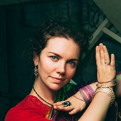Женя Миловидова